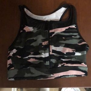 Camo pink; Sports bra with a zipper in the front